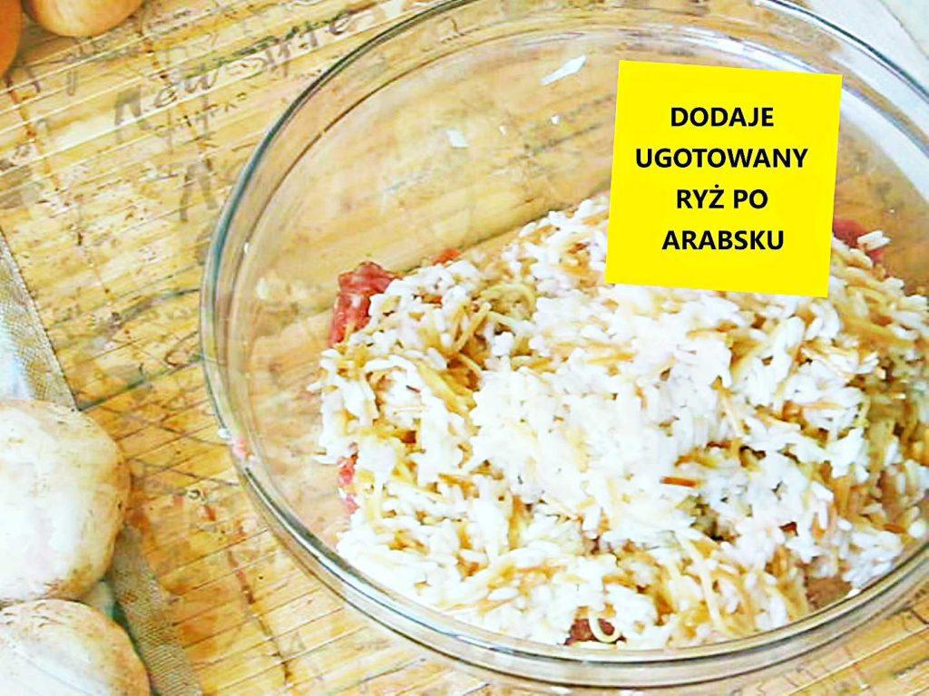 Ryż po arabsku dodatek nadzienia do faszerowanych papryk